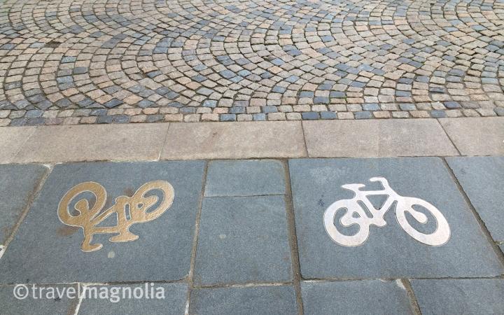 road sign, bikes, biking, graphics