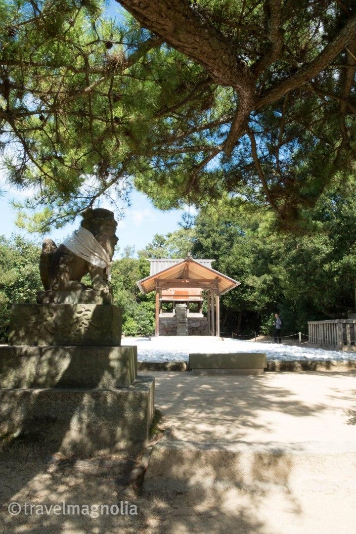 HiroshiSugimoto_Go'o Shrine_Naoshima