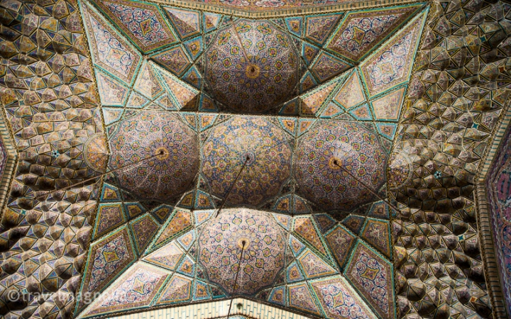 Shiraz_PinkMosque_Ceiling