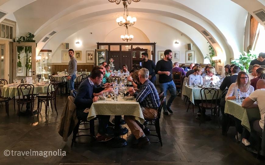 vodka-room-restaurant-st-petersburg-2