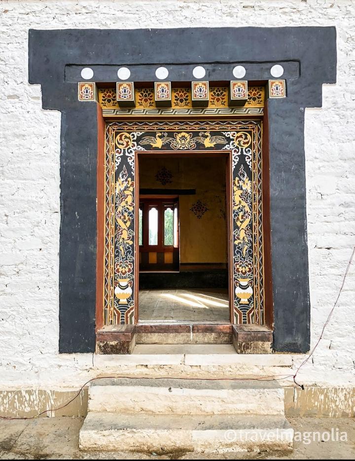trongksa_dzong-open-door_.jpg